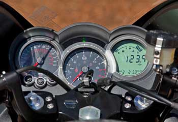 2011 Triumph Sprint Gt Md Ride Review From Four