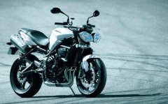MD First Look: 2012 (?) Triumph Street Triple and Street Triple R