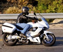 2011 Moto Guzzi Norge GT 8V: MD Ride Review (with MD Video Review)
