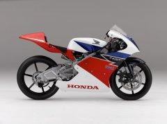 Honda Unveils Its 185 pound (wet) Moto3 Race Bike